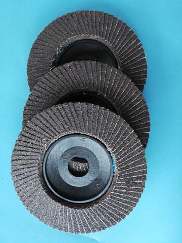 廠家供應優質75頁*120#鍛燒黑砂膠蓋彈性磨盤拋光片百頁輪